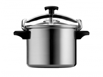 Pressure cooker with basket